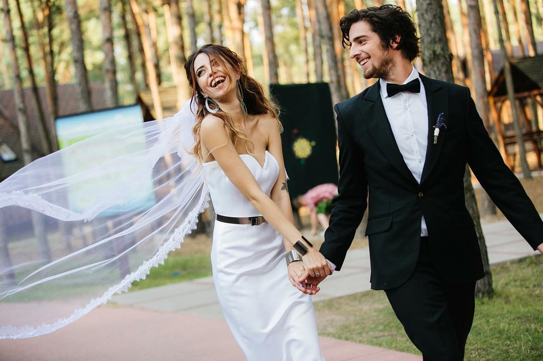 Супруги Владимир Дантес и Надя Дорофеева поздравили друг друга с 5-летием со дня знакомства
