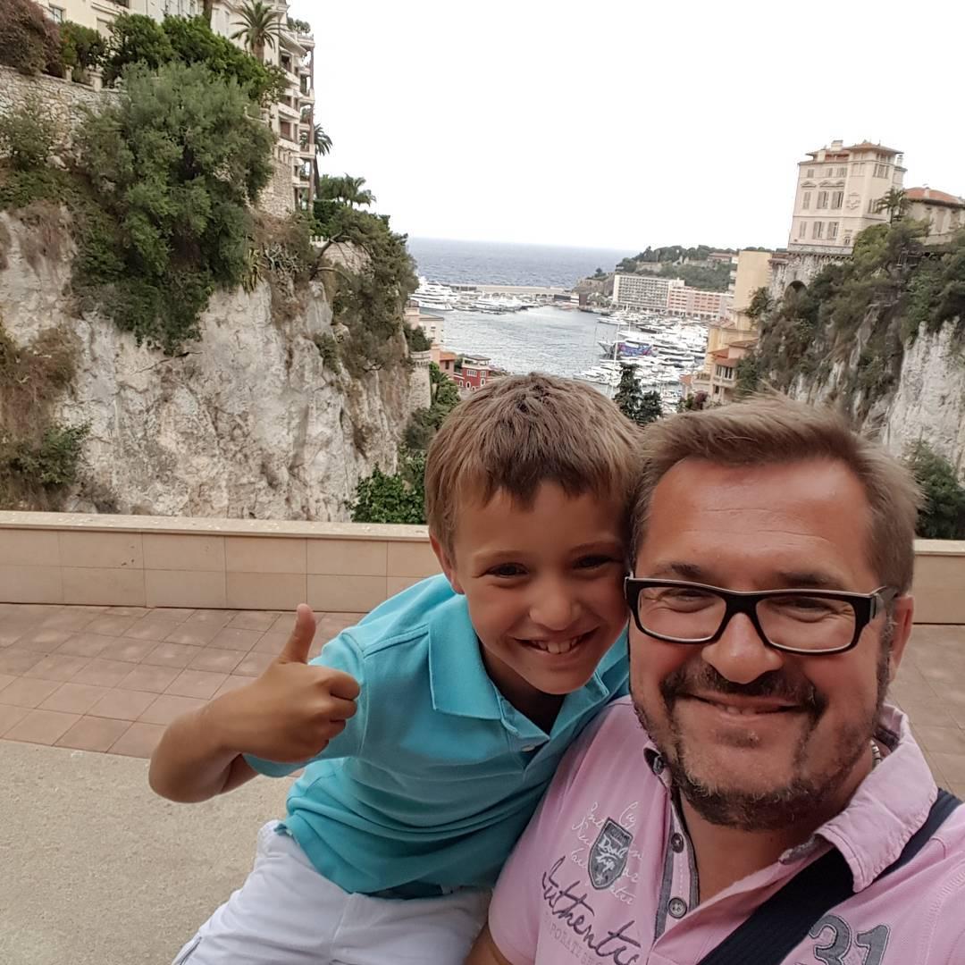 Александр Пономарев с сыном на отдыхе