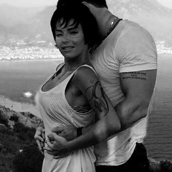 Победившая рак Юлия Волкова показала своего мускулистого возлюбленного