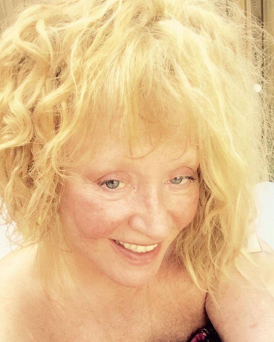 66-летняя Алла Пугачева опубликовала селфи без макияжа