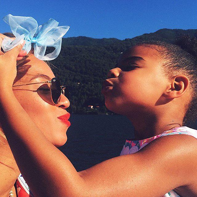 Видео: Бейонсе с дочерью Блу Айви повеселилась на концерте