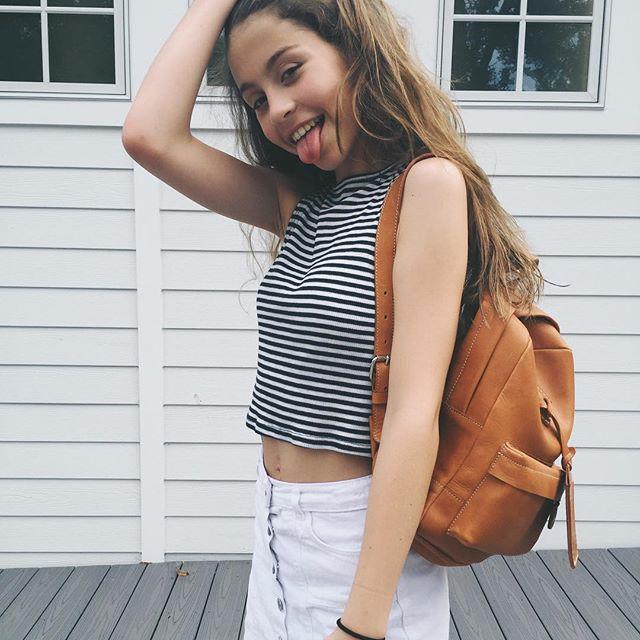 Растет красоткой: Кэтрин Зета-Джонс показала редкие фото 13-летней дочери Кэрис
