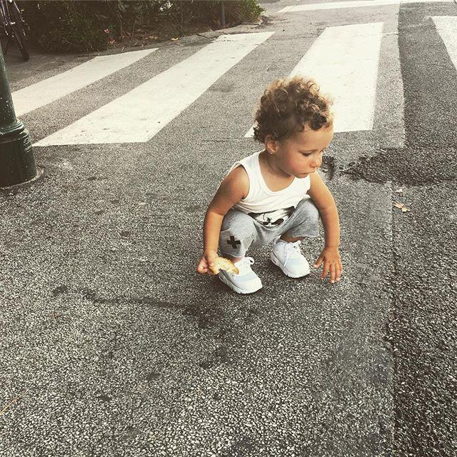 Молодая мама Кети Топурия публикует забавные снимки своей годовалой дочери Оливии