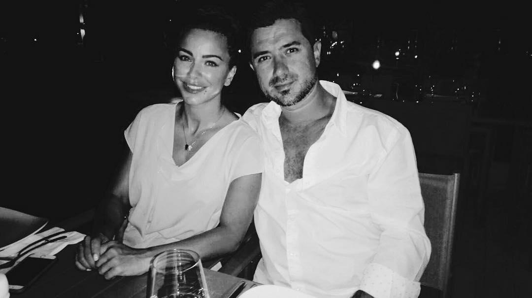 Ани Лорак засыпала сеть романтическими снимками с мужем