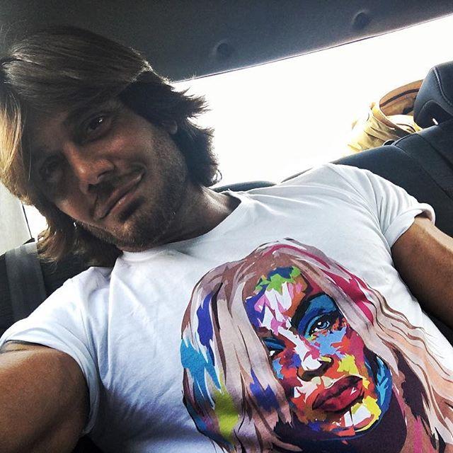 Всегда под сердцем: муж Ирины Билык носит футболку с ее изображением