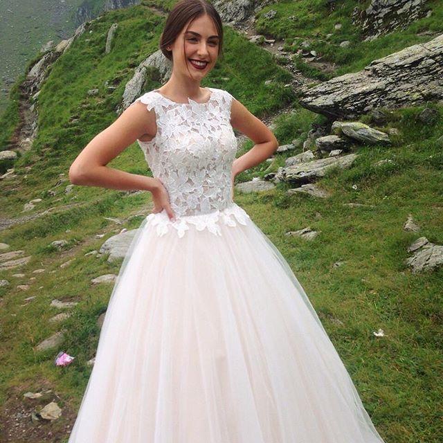 """Победительница """"Холостяка-6"""" Алена Лесык поделилась снимком в свадебном платье"""