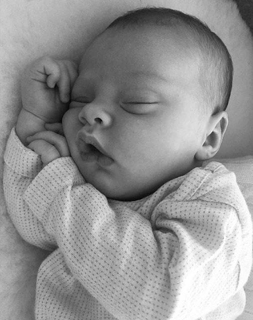 Крупным планом: Лив Тайлер опубликовала трогательное фото дочери