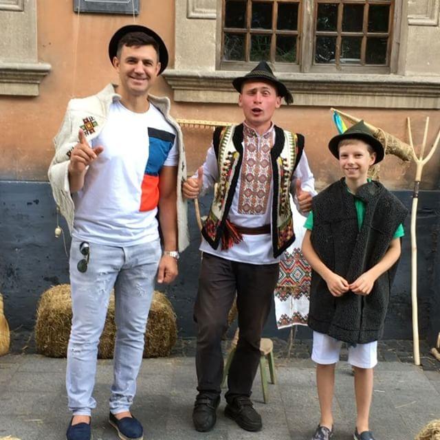 Микола Тищенко влаштував холостяцький відпочинок з сином у Львові
