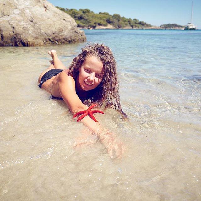 Молодая мама Инна Цимбалюк показала фигуру в купальнике