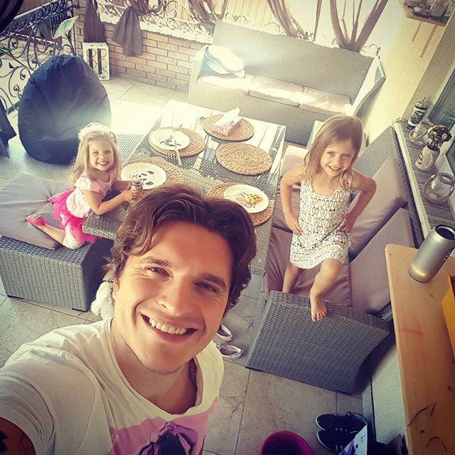 Анатолий Анатолич поделился трогательными семейными фото