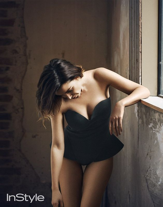 Данни Миноуг демонстрирует роскошную фигуру