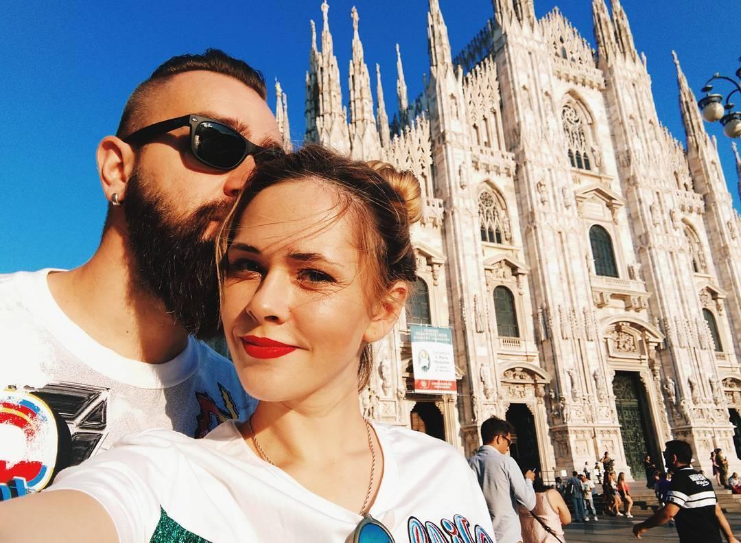 День для двоих: солистка The Hardkiss публикует романтические снимки с мужем из Милана
