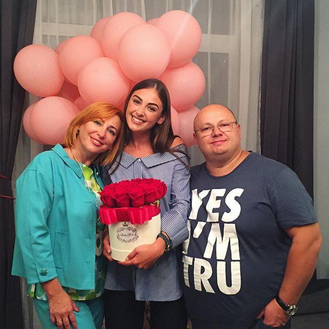 """Победительница """"Холостяка-6"""" Алена Лесык отпраздновала свой день рождения без Иракли Макацария"""