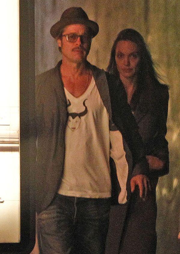 Анджелина Джоли показала уставшее лицо без макияжа
