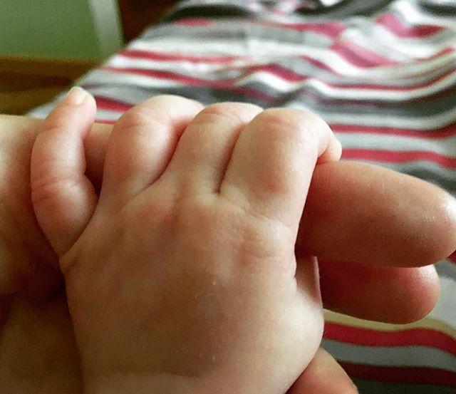 Нам пять месяцев: Сергей Безруков опубликовал новое фото дочери