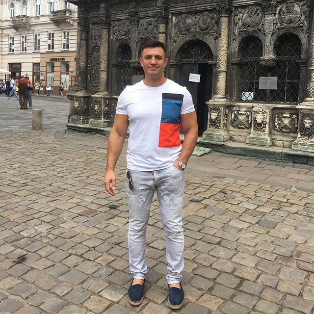 Николай Тищенко устроил холостяцкий отдых с сыном во Львове