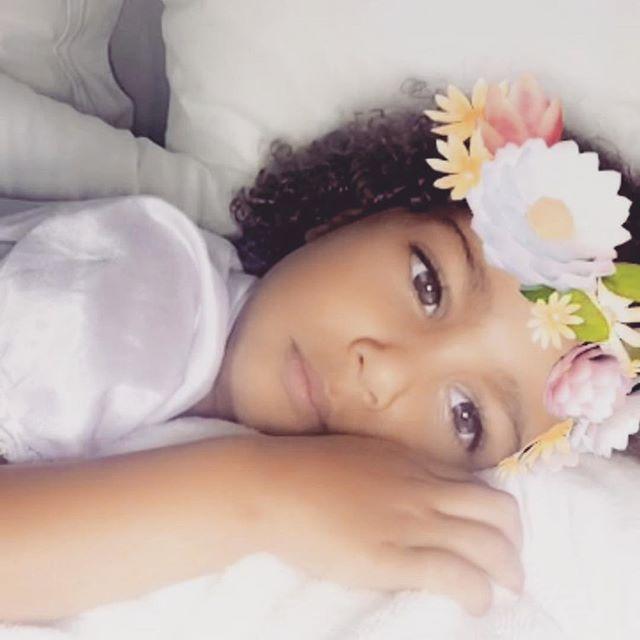 Спящие красавицы: Ким Карашьян опубликовала умилительное фото с дочерью