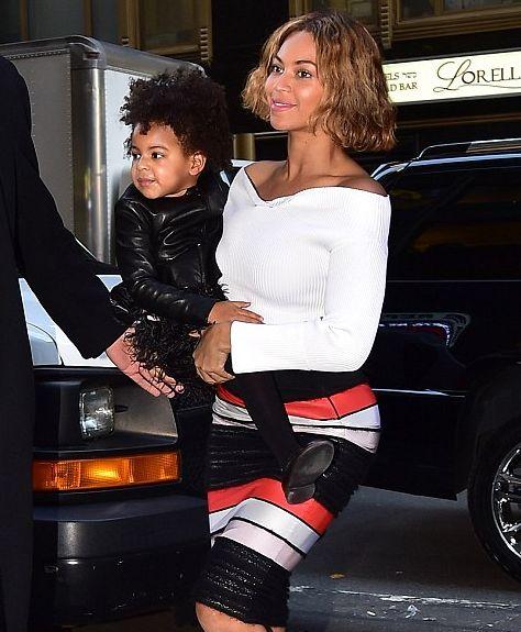 Бейонсе вышла в свет со своей маленькой модницей Блю Айви