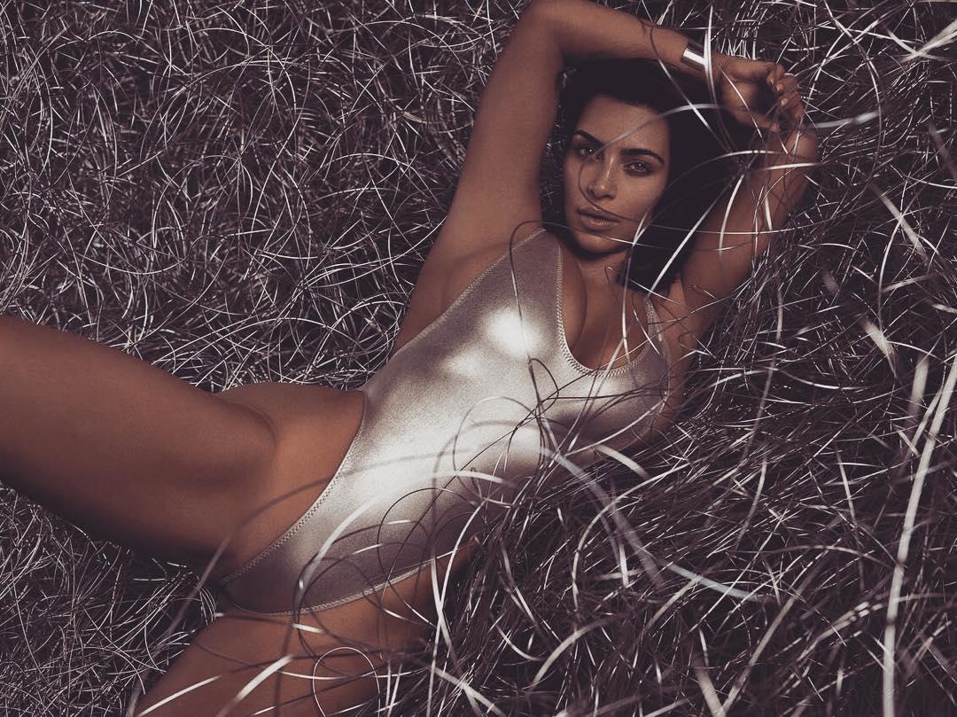 Как это было: в сеть попала фотосессия Ким Кардашьян в нижнем белье 10-летней давности