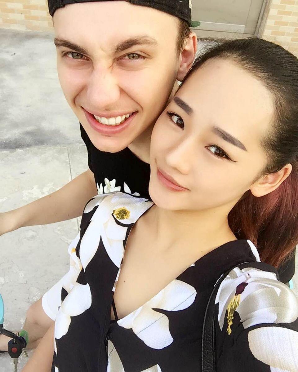 """Финалист """"Х-фактора"""" женился на китаянке"""