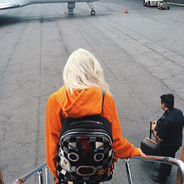 Фотофакт: Кайли Дженнер стала блондинкой