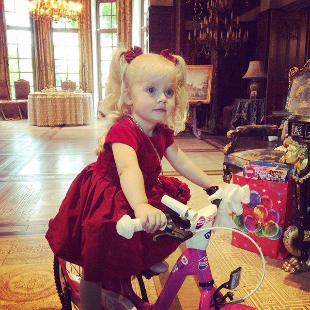 Алла Пугачева и Максим Галкин отметили третий день рождения своих детей