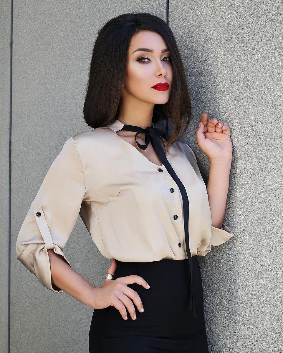 Без кудряшек: Анетти Жернова примерила образ девушки-вамп