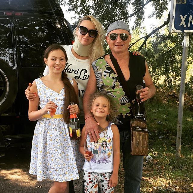 Оля Полякова отпраздновала годовщину свадьбы в дороге