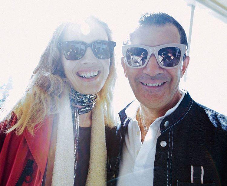 Антонио Бандерас в Москве собрал $800 тыс и сделал селфи с беременной Ксенией Собчак