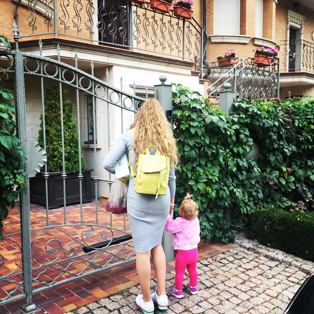 Яна Соломко и ее дочь Кира