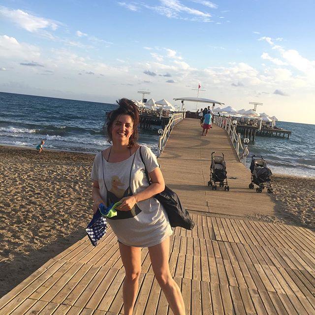 Ольга Цибульская отдыхает с мужем и подросшим сыном в Турции