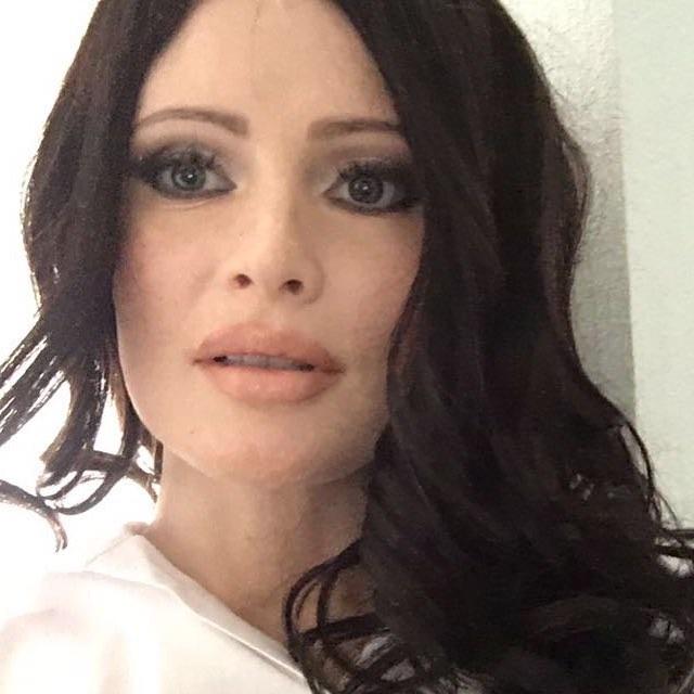 Не узнать: Дана Борисова стала жгучей брюнеткой