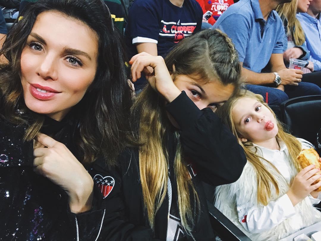 12-летняя дочь Анны Седоковой отчитала свою мать