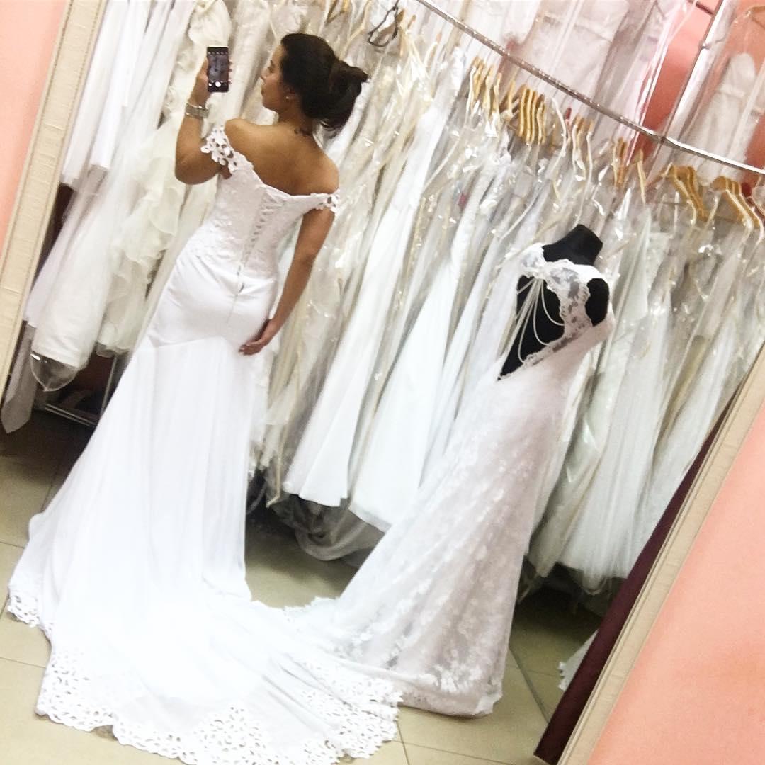 Невеста Виталия Козловского показала свадебное платье