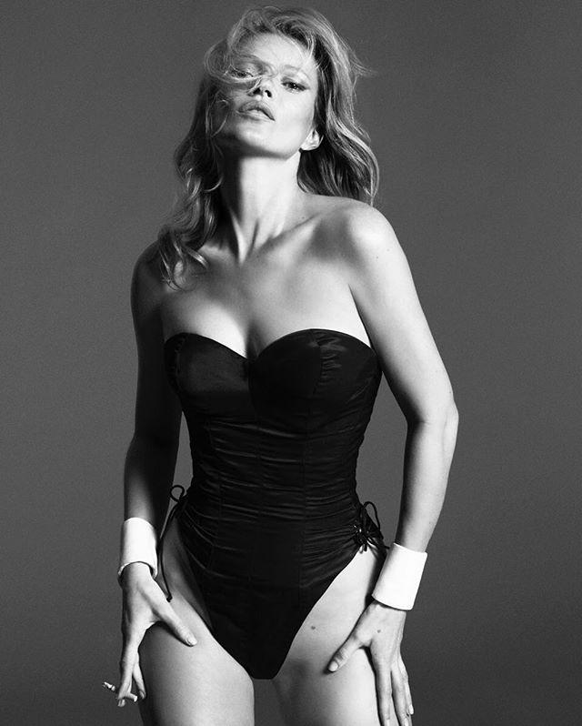 Голая и прекрасная: 43-летняя Кейт Мосс полностью разделась для глянца