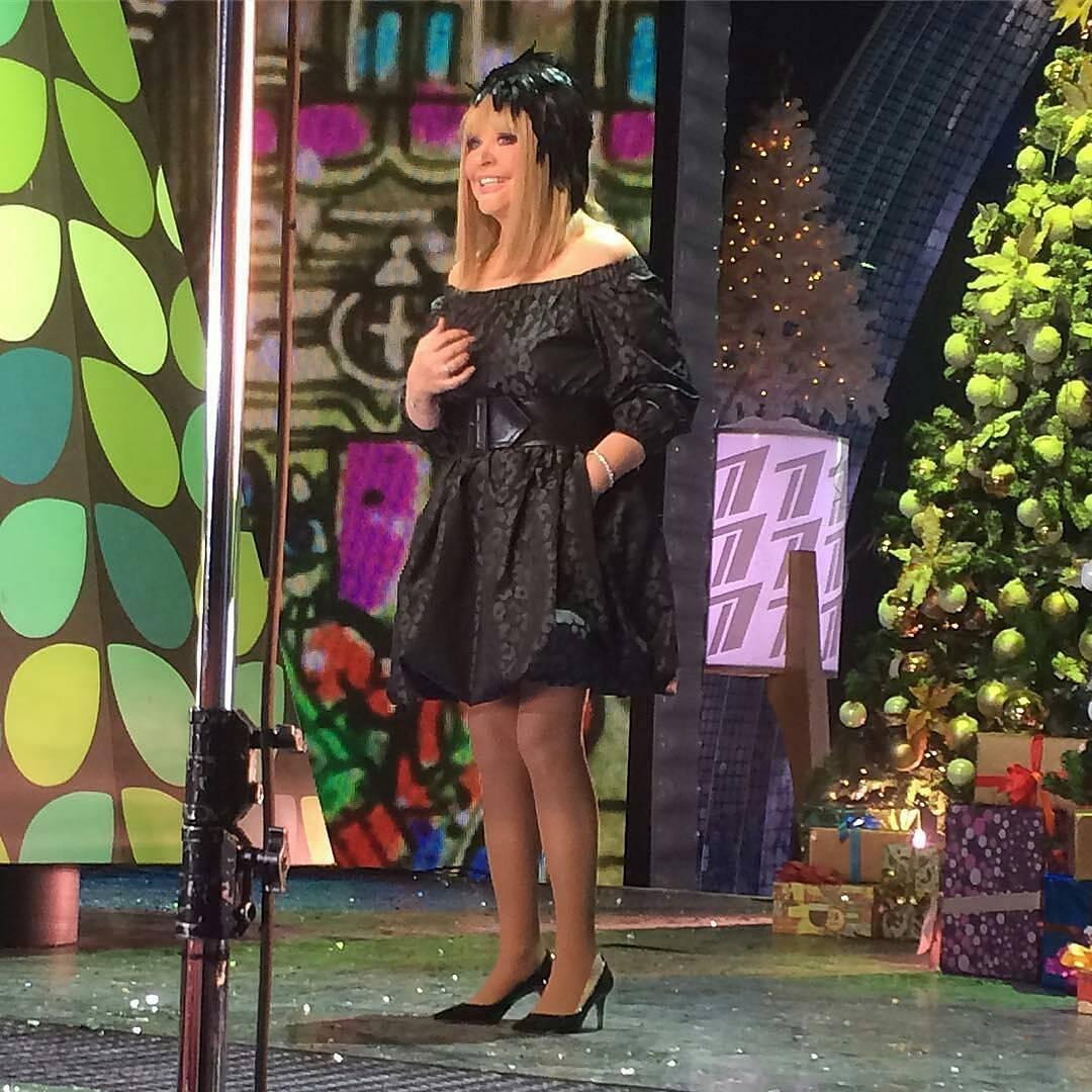 Алла Пугачева демонстрирует стильные наряды на новогодних концертах