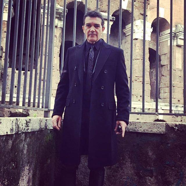 Антонио Бандераса срочно госпитализировали с сердечным приступом