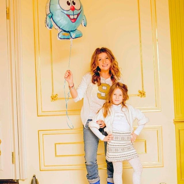 Жанна Бадоєва показала старе фото з маленькою донькою