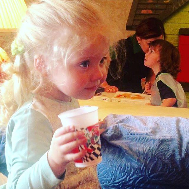 Алла Пугачева показала дочь Лизу впроцессе купания
