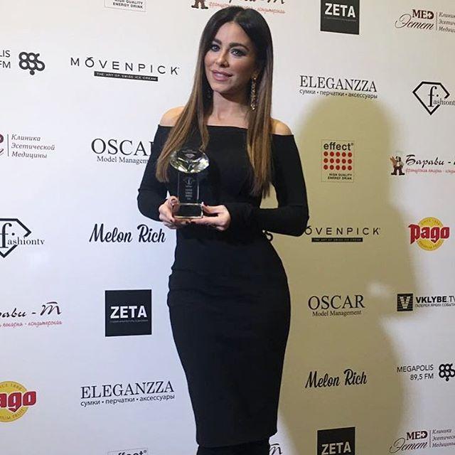 Ани Лорак назвали самой стильной певицей в России