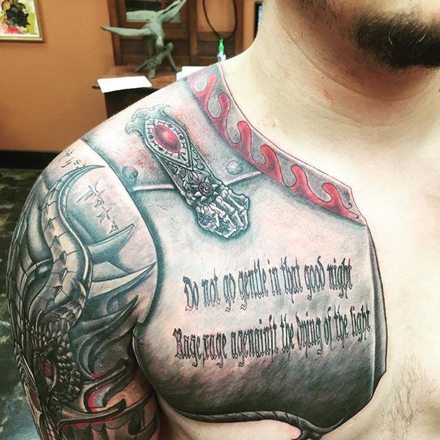 На долгую память: сын Майкла Джексона сделал себе тату с изображением своего знаменитого отца