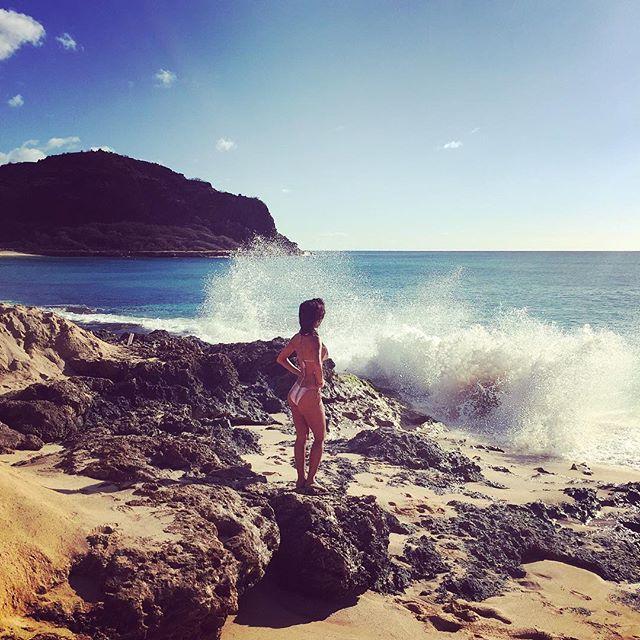 Королева пляжа: Николь Шерзингер соблазняет сексуальной фигурой в бикини