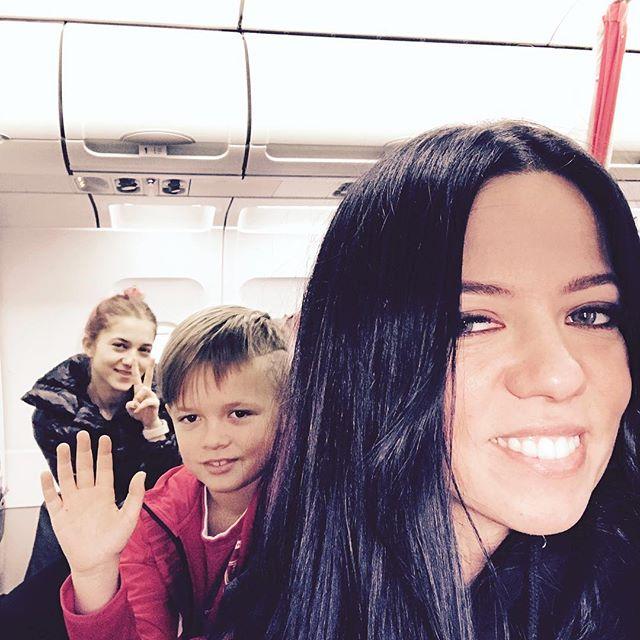 Бывшая жена Потапа вместе с детьми улетела отдыхать на Маврикий
