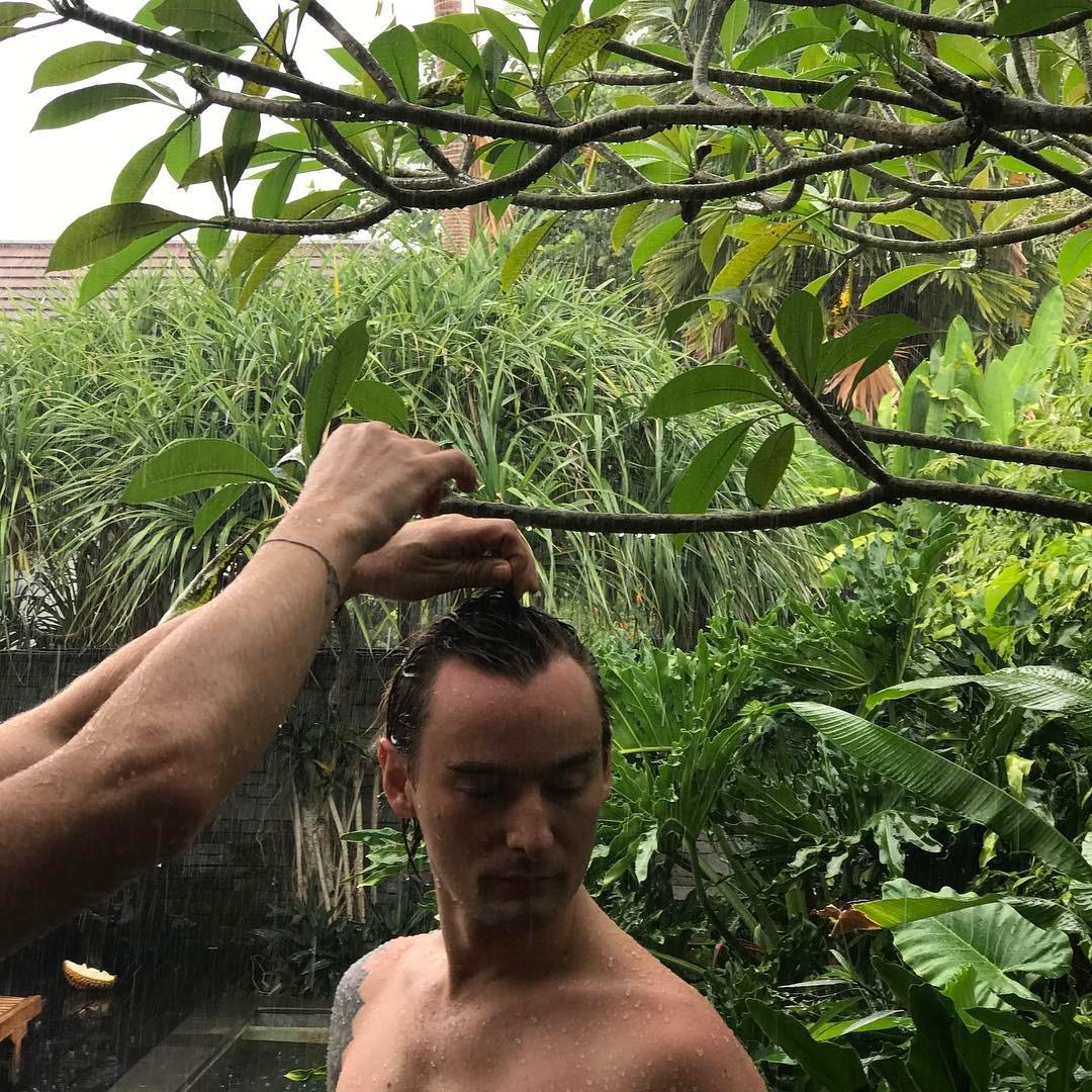 Алан Бадоев отмечает 36-летие на Бали