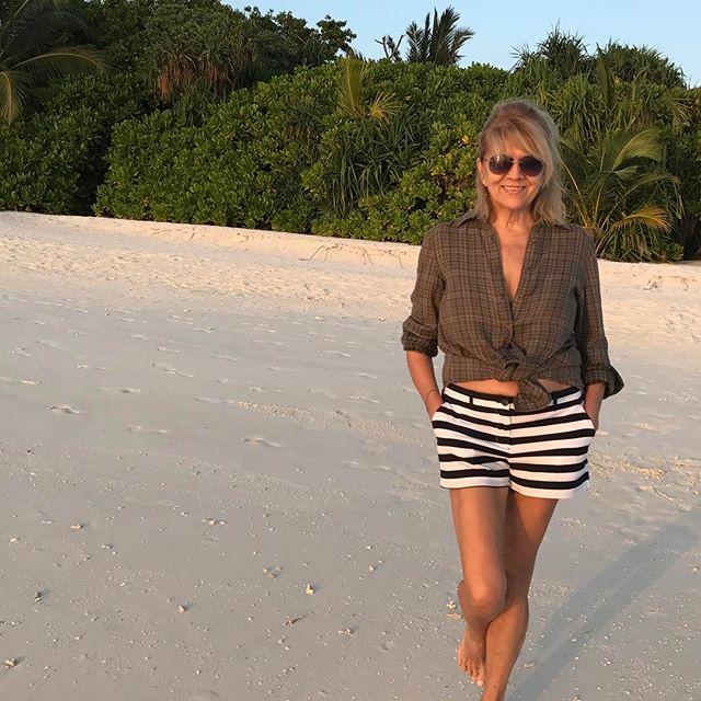 65-летняя мама Веры Брежневой восхитила молодым внешним видом в свой день рождения