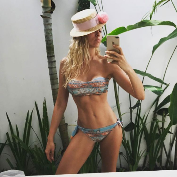 Оля Полякова роздяглася на Балі