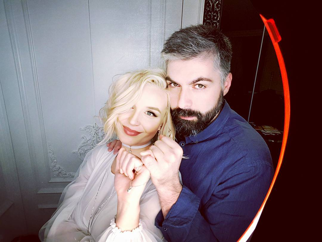 Беременная Полина Гагарина трогательно поздравила своего мужа с днем рождения