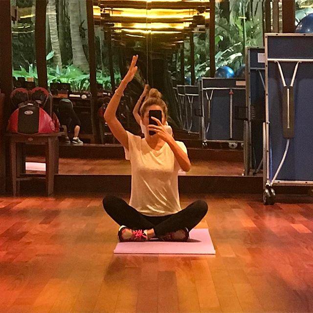Вера Брежнева восхищает стройными ногами и тонкой талией на отдыхе в Таиланде