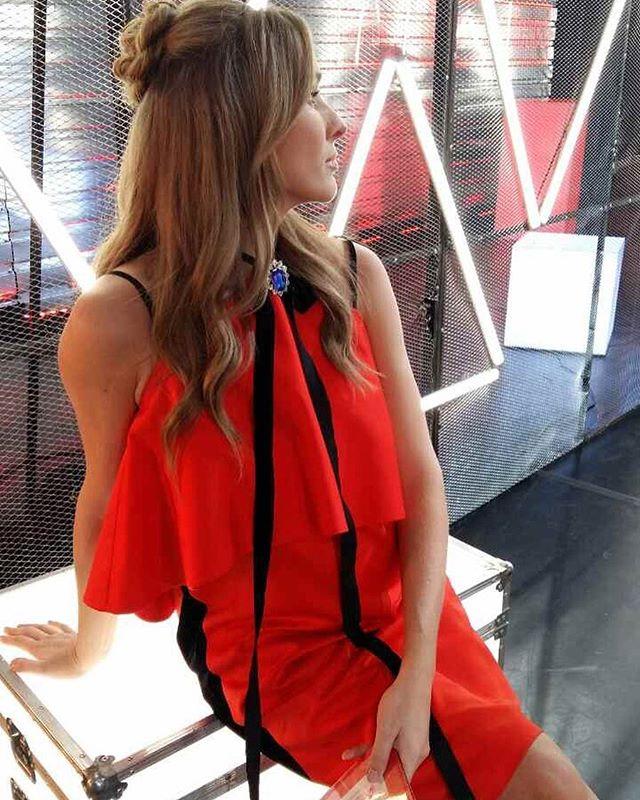 Беременная Катя Осадчая покоряет сияющим видом на Неделе моды