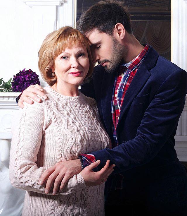 Какая красивая: Виталий Козловский показал свою маму